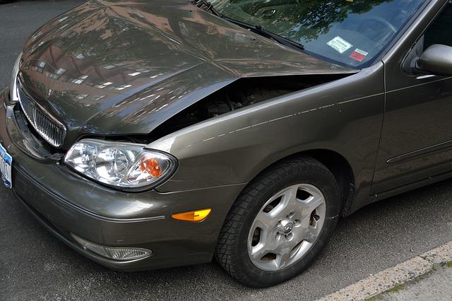 Comment enlever les petites rayures de la peinture d'une voiture?